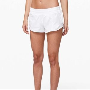 NWOT hotty hot short in white size 6!
